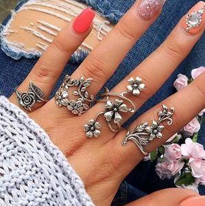 Jewelry - Flower Knuckle Midi Ring Set